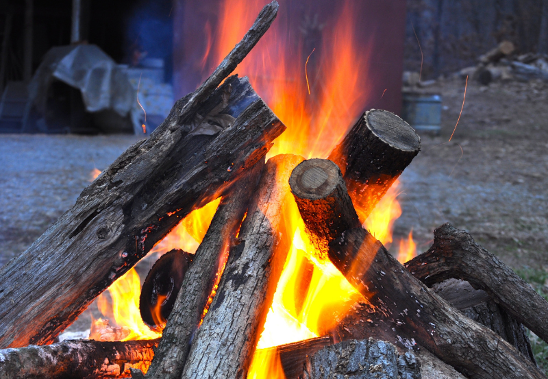 How to stay warm when you go camp